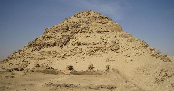 Pyramid of Neferirkare, Abusir (copyright Axel Seedorf)