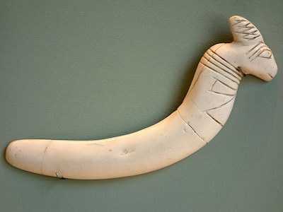 Maadi clappers. Louvre, copyright Guillaume Blanchard
