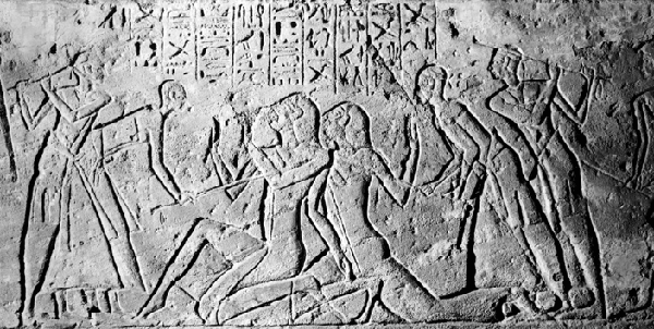 Ramesses troops interrogate the spies