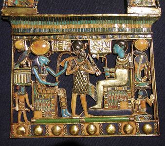Pendant depicting the Tutankhamun with Sekhmet and Ptah from www.egyptarchive.co.uk