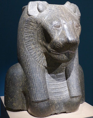 Sekhmet copyright Finoskov [CC BY-SA 4.0 (https://creativecommons.org/licenses/by-sa/4.0)]