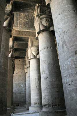 Hathor headed columns in the outer hypostle hall (copyright Alex Lbh)