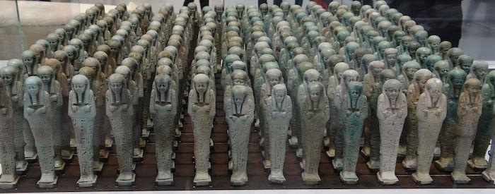 Troop of funerary servant figures ushabtis in the name of Neferibreheb 500 BC (copyright Serge Ottaviani)