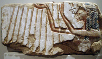 Nefertiti (copyright Keith Schengili-Roberts)