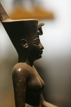 Neith wearing the Deshret crown of Lower Egypt (copyright Sully)