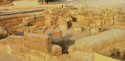 Old Kingdom Sphinx Temple (copyright HoremWeb)