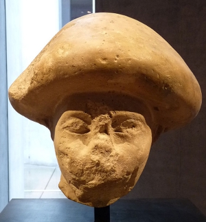 Asiatic head with characteristic mushroom shaped hair from Avaris