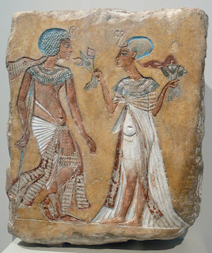 Probably Smenkhare and Merytaten, but possibly Tutankhamun and Ankhesenamun (copyright Andreas Praefcke)